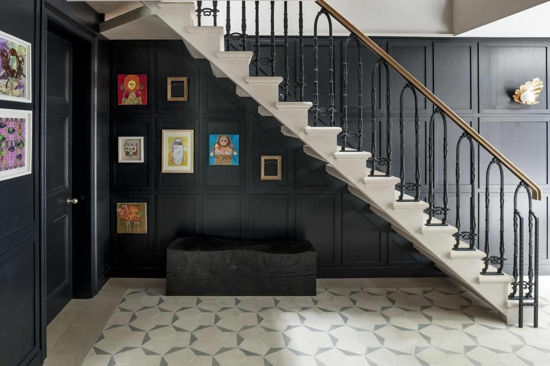 Лестница с комбинированными перилами