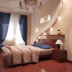 Стена с подсветкой в спальне