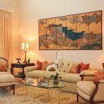 Картина над диваном в гостиной