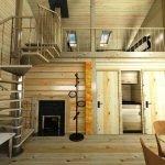 Интерьер дома с лестницей