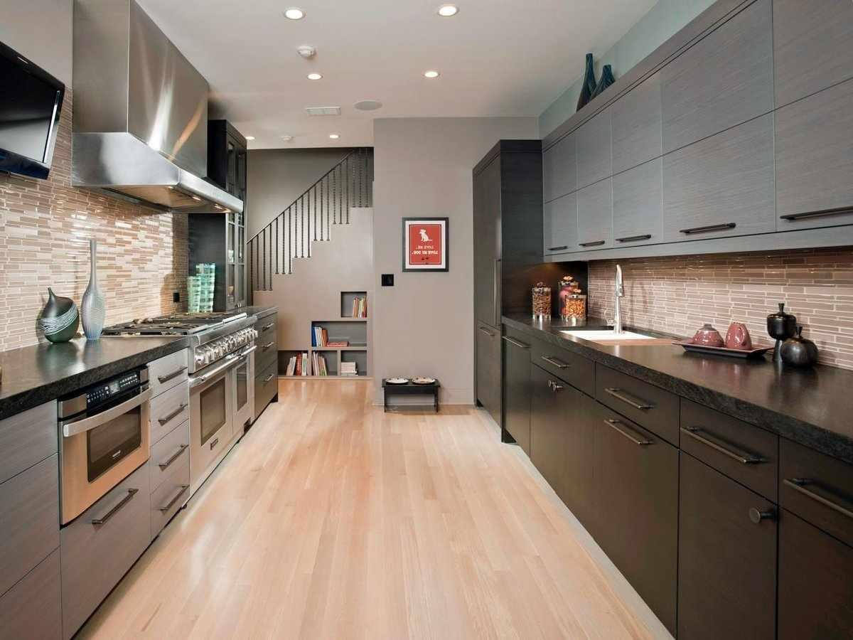 Оформление прямоугольной кухни