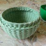 Зеленые миски из газетных трубочек