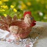 Плетеная корзинка-курочка