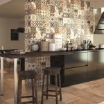 Сочетание бежевого и коричневого в дизайне кухни
