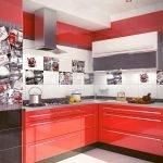 Красный в дизайне маленькой кухни