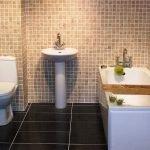 Мозаика в дизайне туалета
