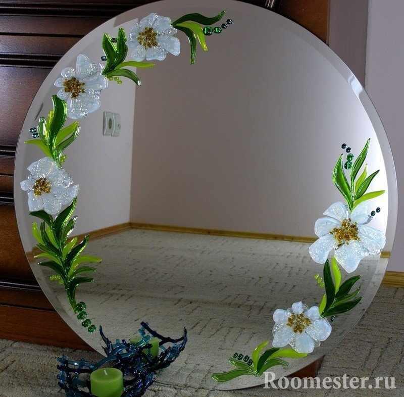 Цветы на зеркале