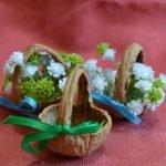 Цветы в корзинках