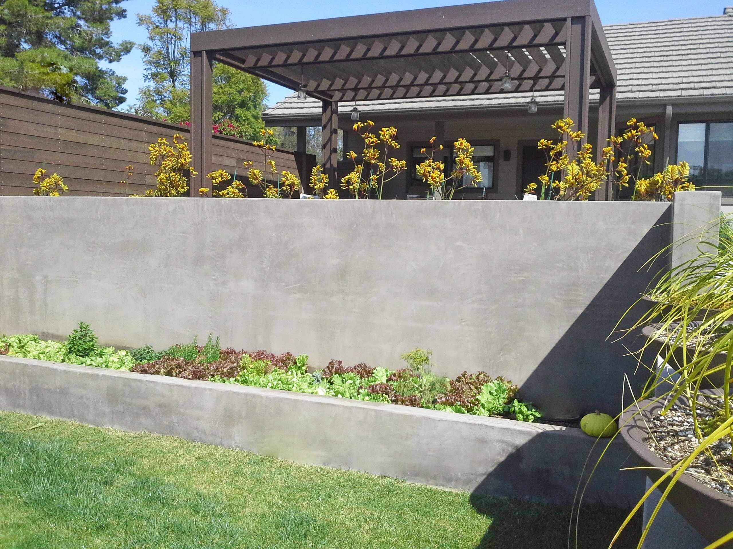 Подпорная стенка из бетона