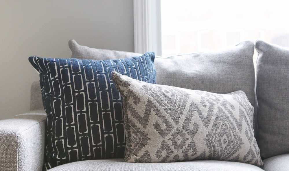 Ажурные наволочки на подушках