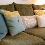 Подушки с разным декором