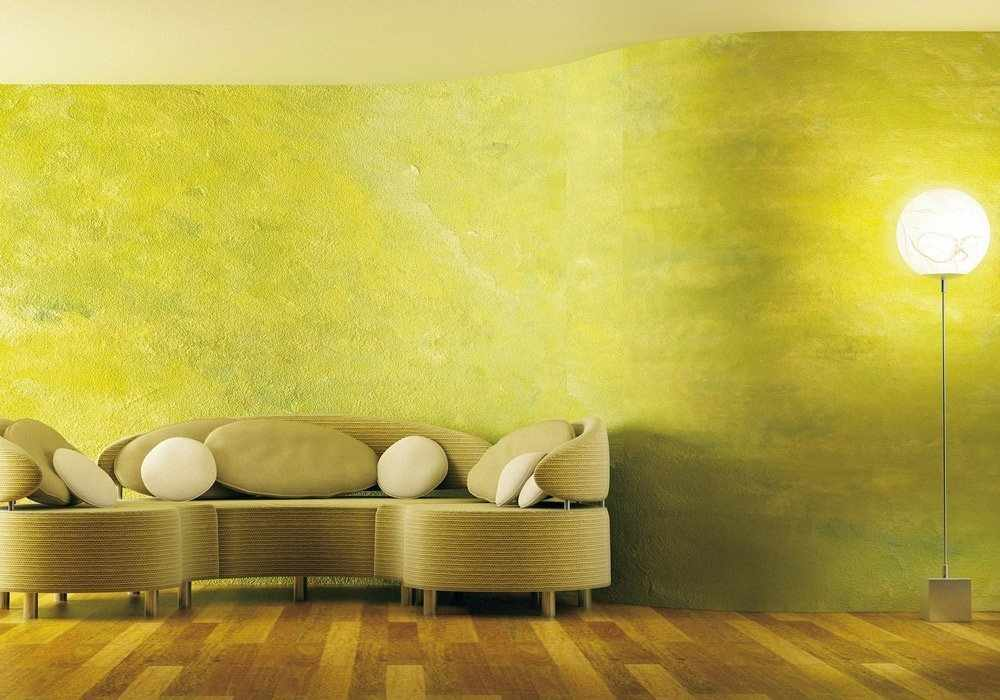 Крашеные стены в гостиной
