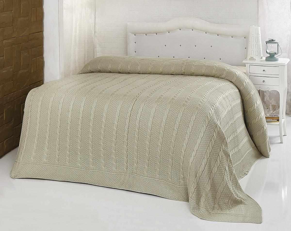 Вязанное крючком покрывало на кровать