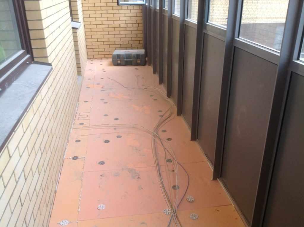Ремонт пола на балконе