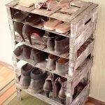 Обувница из деревянных ящиков