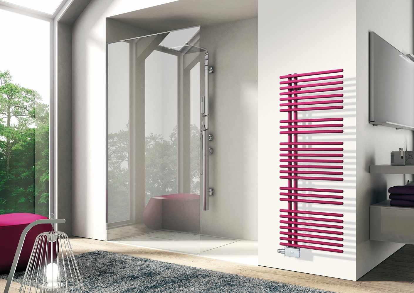 Розовый полотенцесушитель