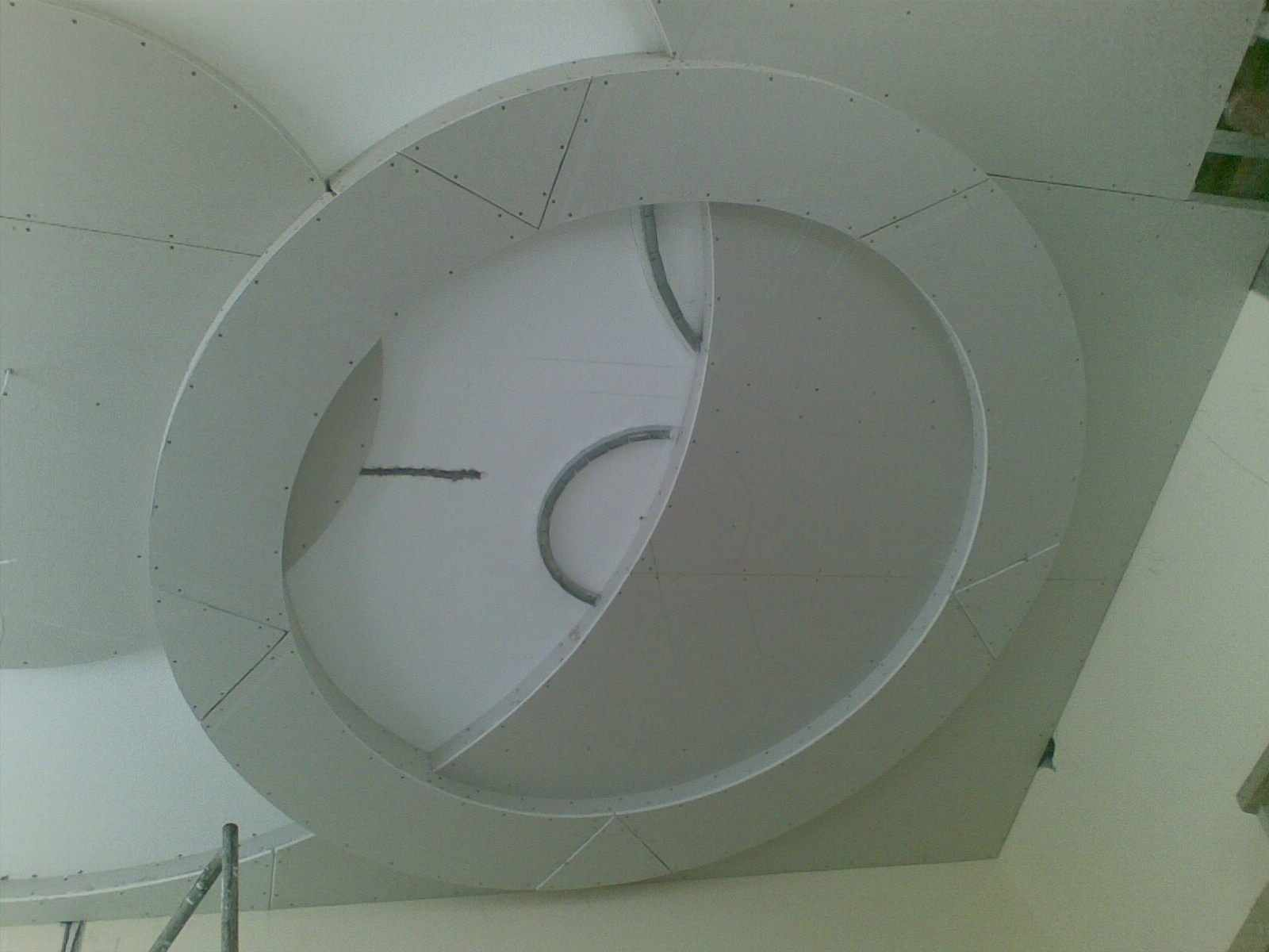 Делаем круги на потолке