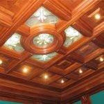 Шикарный потолок из дерева