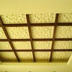 Декоративная панель на потолке