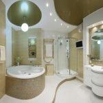 Интерьер золотой ванной