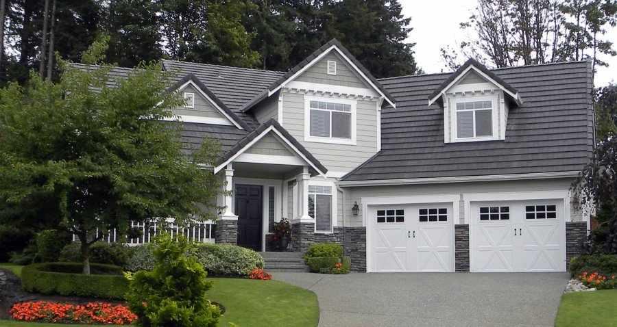 Дом с гаражом в классическом стиле