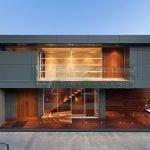 Современный двухэтажный дом