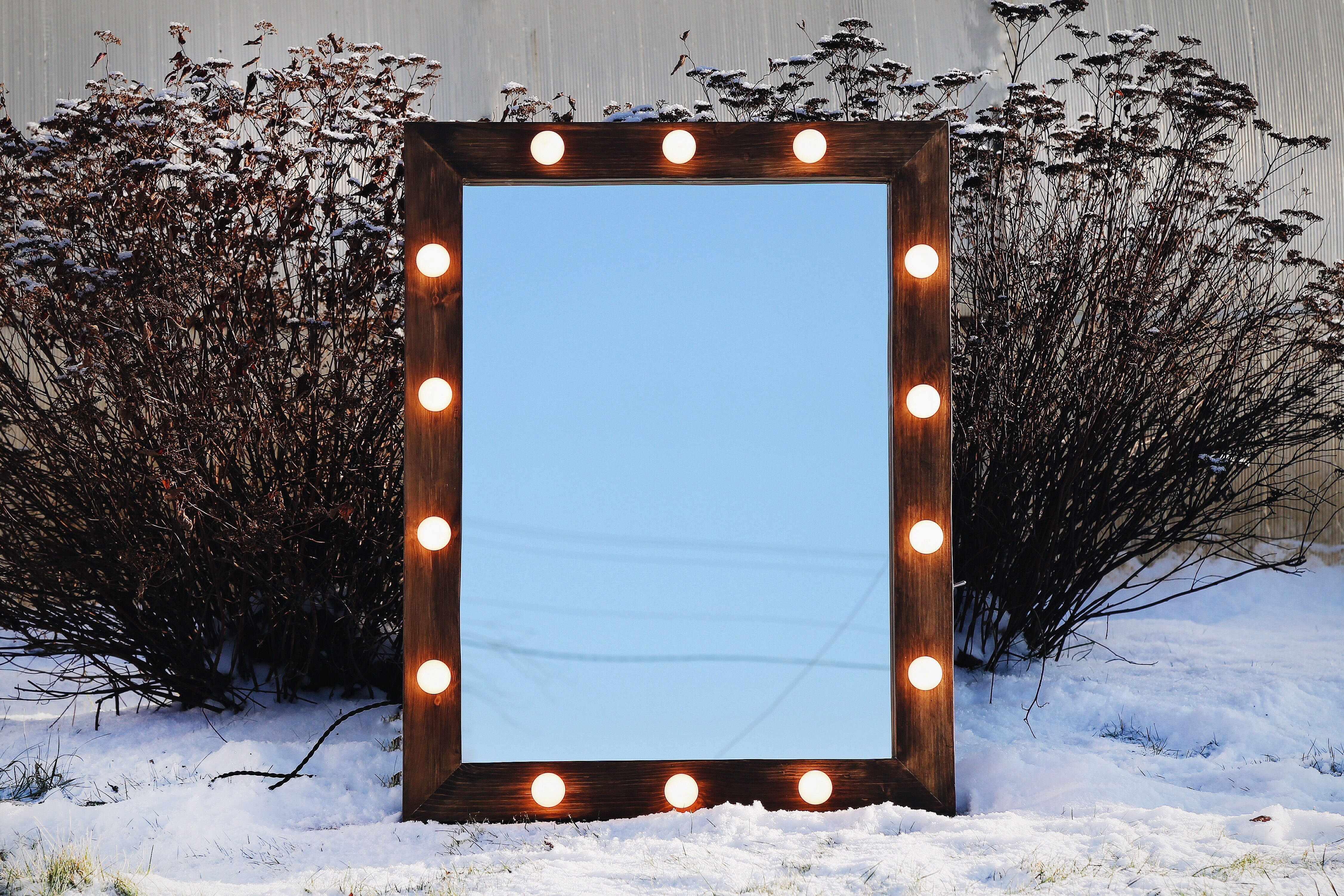 Рама для зеркала с подсветкой