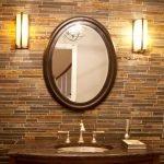 Овальная рама для зеркала в ванной комнате