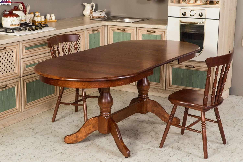 Интерьер с кухонным столом