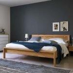 Кровать на невысоких ножках