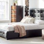 Кровать средней высоты
