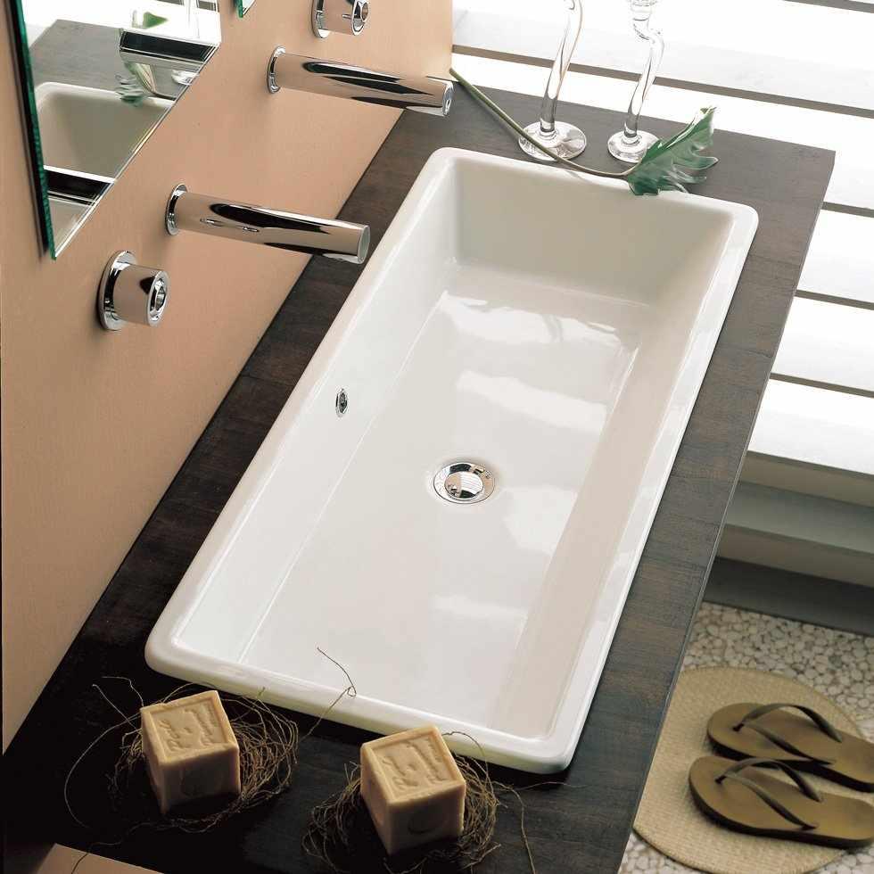 Встраиваемая раковина в ванной