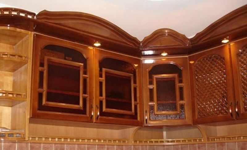 Реставрация кухонного фасада из натурального дерева