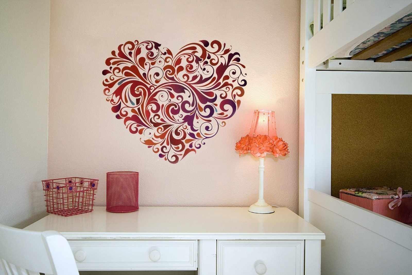 Сердце над столом