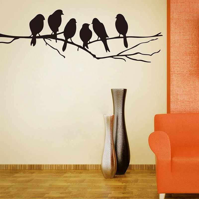 Трафаретная роспись на стене в интерьере