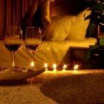 Бокалы и свечи