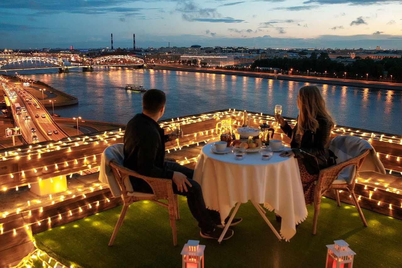 Влюбленные в ресторане