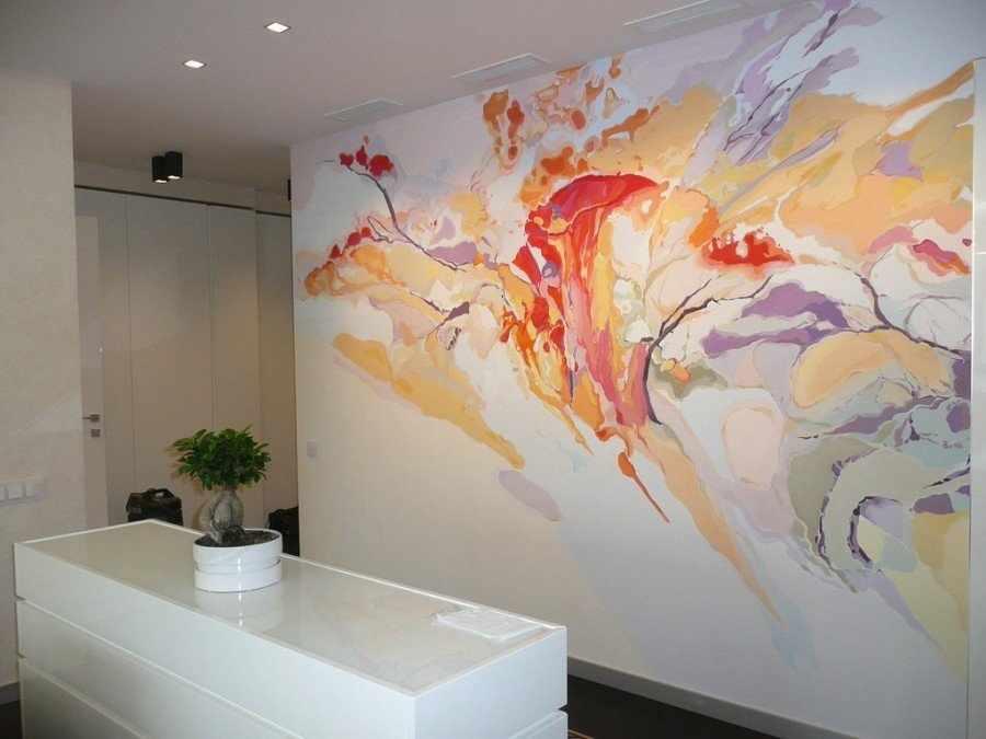 Роспись акриловыми красками стен в интерьере