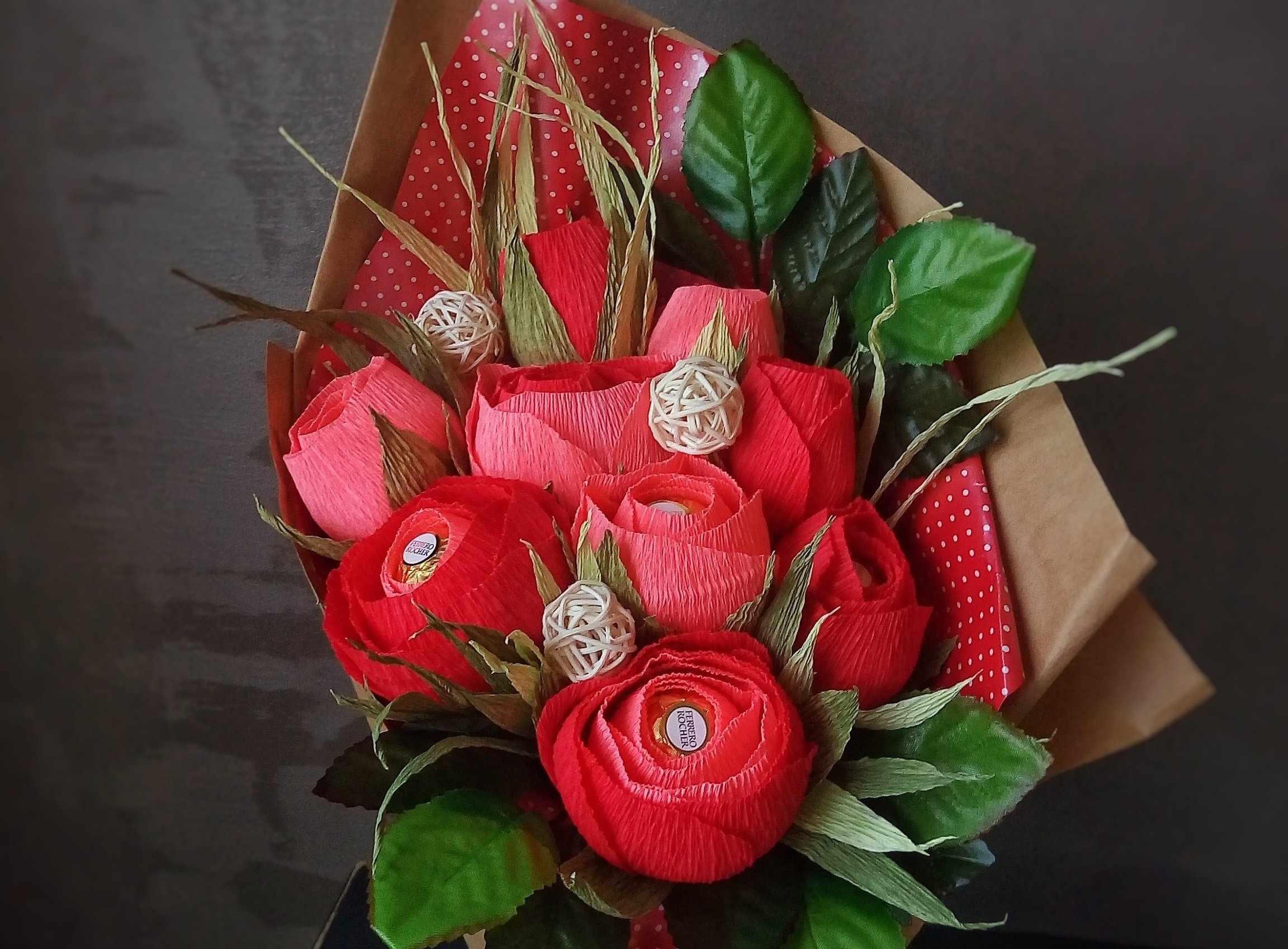 Букет из гофрированных роз