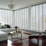 Рулонные шторы в светлом интерьере
