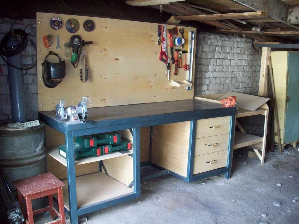 Верстак для гаража