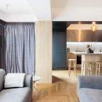Кухня-гостиная с серым текстилем