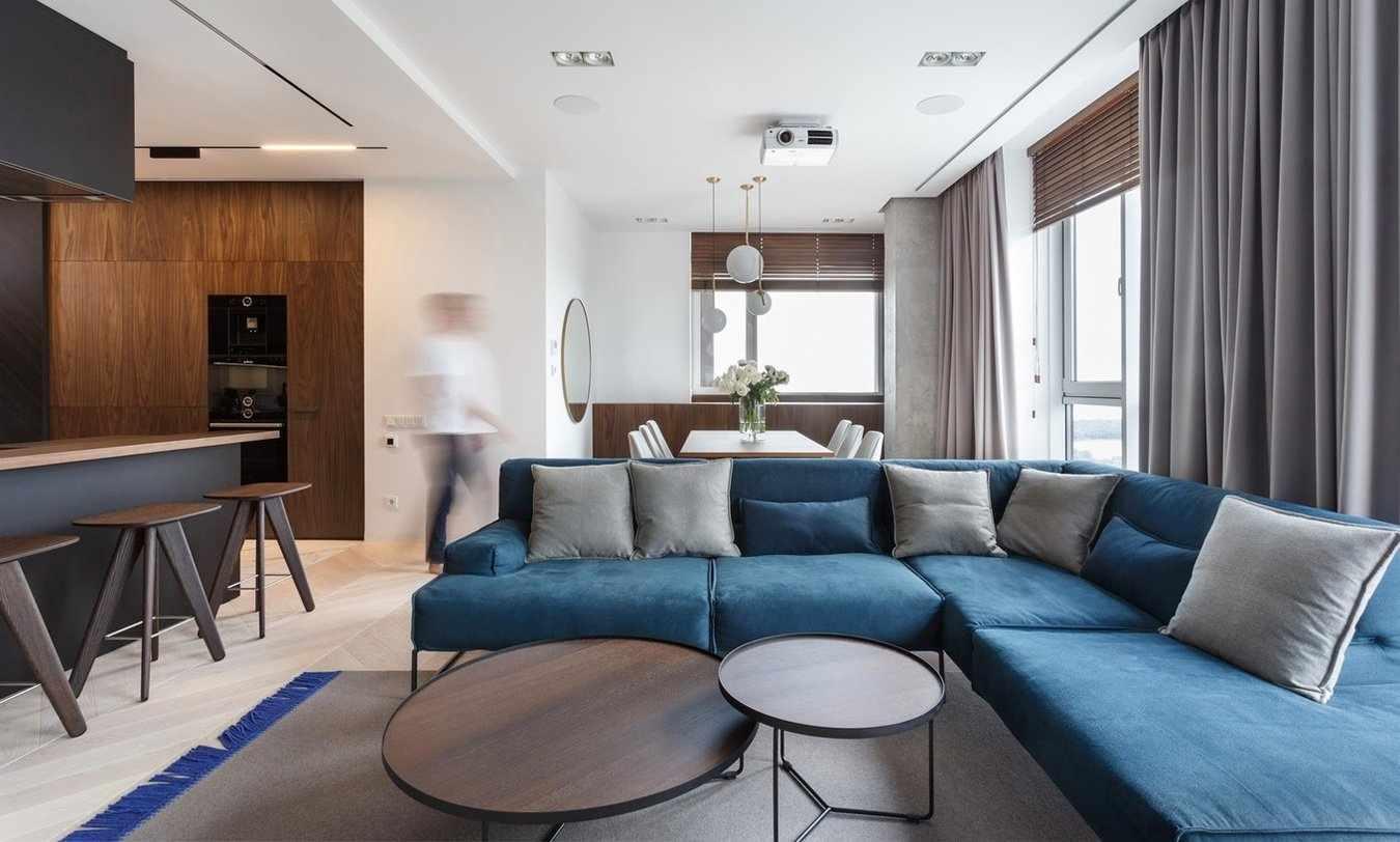 Квартира-студия с серыми шторами