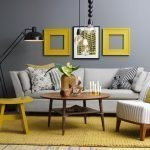 Серый интерьер с серым диваном