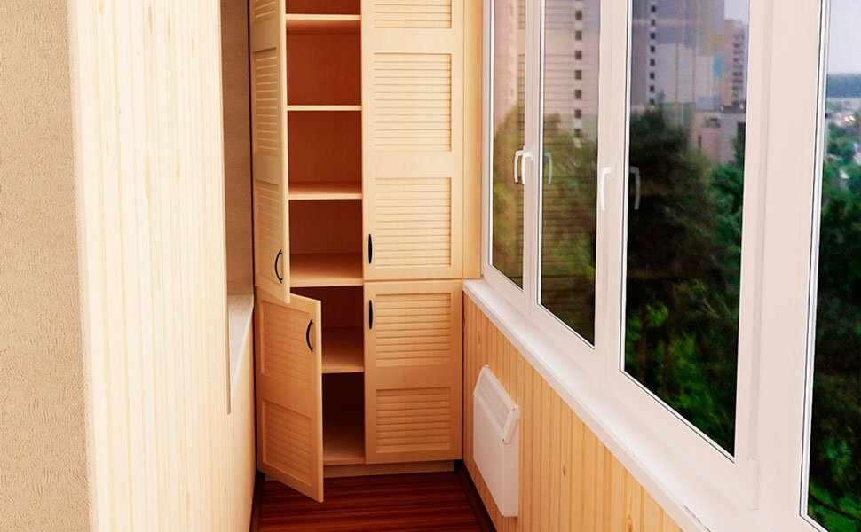 Деревянный шкаф на лоджию