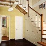 Светильник над лестницей