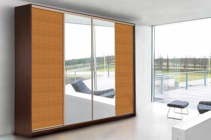 Комната в стиле минимализм со шкафом-купе из ротанга