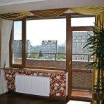 Вид на балкон из комнаты