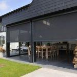 Черные шторы для веранды