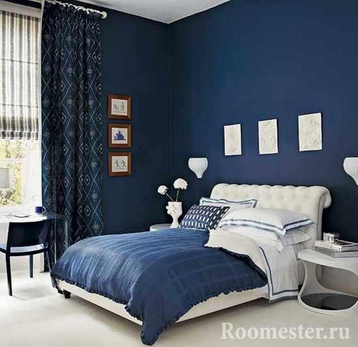 Синие стены и шторы в спальне